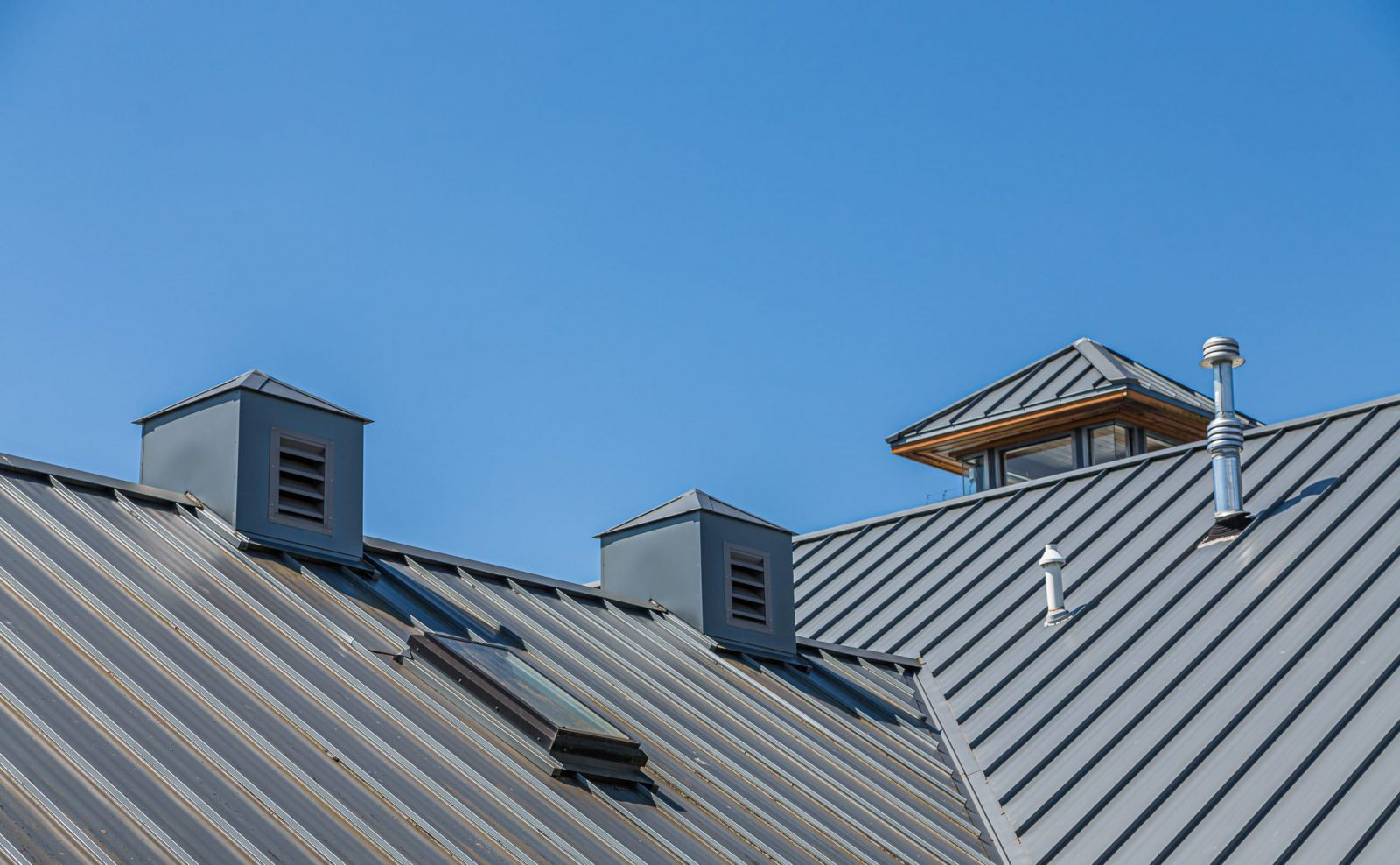 metal-roofing-contractors